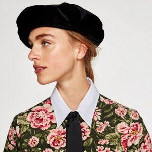 NEW Zara Black Velvet Beret